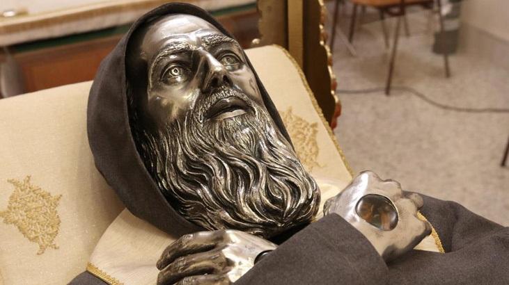Рака с мощами святого Иосифа Купертинского