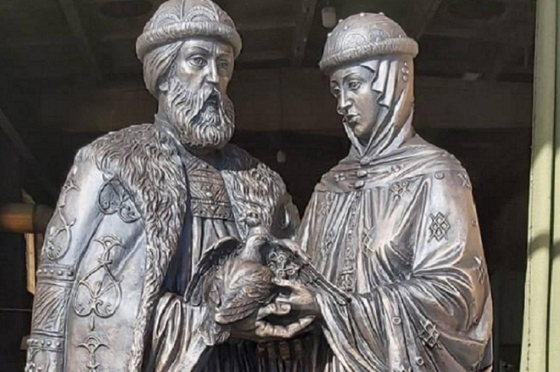 Святые благоверные князь Петр и княгиня Феврония, Муромские чудотворцы - покровители супружества.