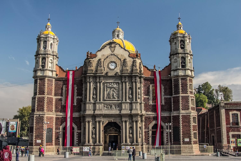 Базилика Святой Девы Марии Гваделупской в Мехико